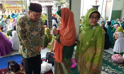 Tahlil Kubro & Halal Bihalal Muslimat dan Tasyakuran Kemenangan Khofifah-Emil di Mulyorejo Baru, Kelurahan Babat Jerawat, Surabaya. (FOTO: NUSANTARANEWS.CO/Setya)