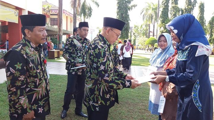 Upacara Hari Koperasi ke 71 di Kabupaten Sumenep. (FOTO: NUSANTARANEWS.CO/Mahdi)