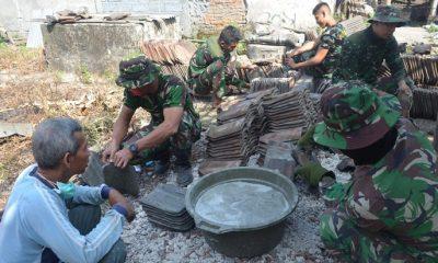 Warga Sambut Baik Rehabilitasi Rumah di Desa Ngampel. (FOTO: NUSANTARANEWS.CO/Agung Prasetyo Budi)