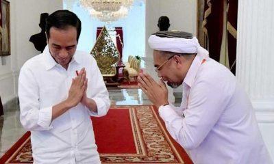 Ali Mochtar Ngabalin dan Jokowi (Foto Credit)