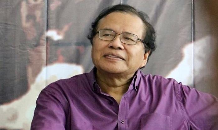 Ekonom Senior Rizal Ramli saat menjadi narasumber tunggal pada acara Diskusi Rindu Rendra: Rakyat Belum Merdeka di TIM, Jumat (17/8/2018)