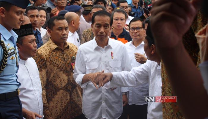 Presiden Jokowi Saat Tinjau Gempa di Pidie Jaya, Aceh (Foto Dok. Nusantaranews)