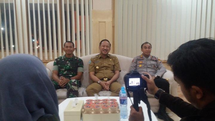 Selesai Pilkades Serentak Ponorogo, Bupati Ipong Kumpulkan Jurnalis. (FOTO: NUSANTARANEWS.CO/Muh Nurcholis)