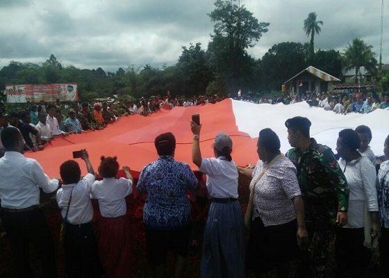 warga perbatasan, perbatasan papua, perbatasan ri-papua nugini, papua nugini, bendera merah putih
