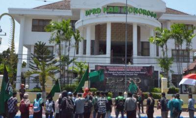 Aksi Solidaritas HMI Ponorogo Kecam Kekerasan Terhadap Mahasiswa (Foto Dok. Nusantaranews)