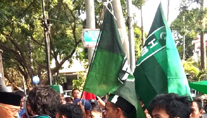 hmi bengkulu, kahmi bengkulu, demonstrasi bengkulu, mahasiswa bengkulu, aktivis bengkulu, dprd bengkulu, aksi hmi, nusnataranews, nusnatara news