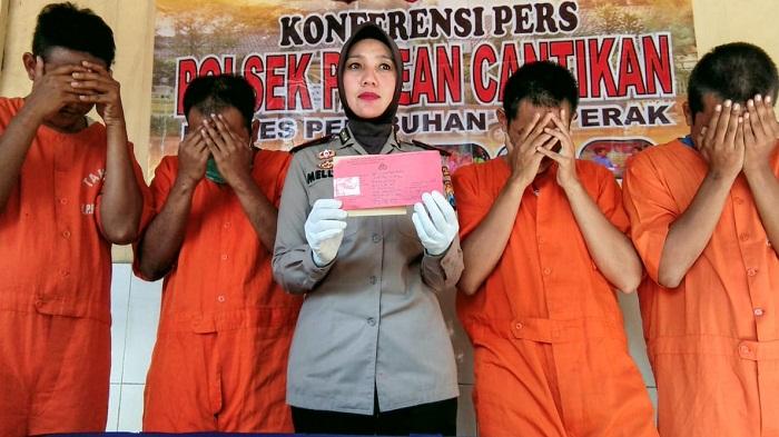 Kapolsek Pabean Cantikan Surabaya, AKP Mellysa Amalia mengatakan pihaknya mengamankan empat pemuda sedang pesta sabu dan ekstasi di sebuah perumahan di wilayah Surabaya Utara. (FOTO: NUSANTARANEWS.CO/Setya)
