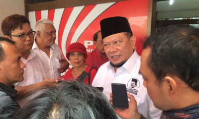 etua Umum Kadin Jawa Timur (Jatim) La Nyalla Mattalitti menghadiri acara peringatan Hari Sumpah Pemuda dan Hari Pahlawan yang digelar Partai Keadilan dan Persatuan Indonesia (PKPI) Jawa Timur di Surabaya, Selasa (7/11/2017). (Foto: Tri Wahyudi/NusantaraNews)