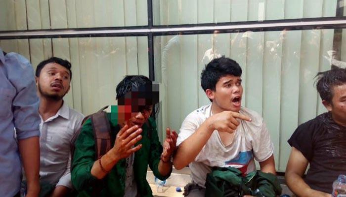 Seorang Mahasiswa Tampak Terluka Parah Akibat Sikap Represif Aparat Kepolisian Saat Demo di Medan (Foto Istimewa)