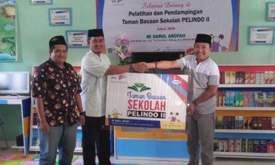 Penyerahan Bantuan Taman Bacaan Pelindo II