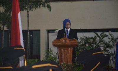 Bupati Jember dr Hj Faida MMR saat sambutan di acara Wisuda Penyerahan Ijazah Universitas Terbuka Jember kepada Lulusan S-1 maupun S-2 Universitas Negeri Jember di Gedung Juang '45 Politehnik Negeri Jember, Kamis (25/10/2018). (FOTO: NUSANTARANEWS.CO/Sis24)