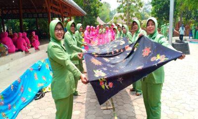 hari batik nasional, mbatik massal, dharma pertiwi mojokerto, hut tni, kodim mojokerto