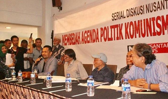 Djoko Edhi Abdurrahman (dua dari kiri-memakai kacamata) dalam serial diskusi nusantaranews bertajuk Membendah Agenda Politik Komunisme dan Khilafah di Pilpres 2019. (FOTO: Istimewa)