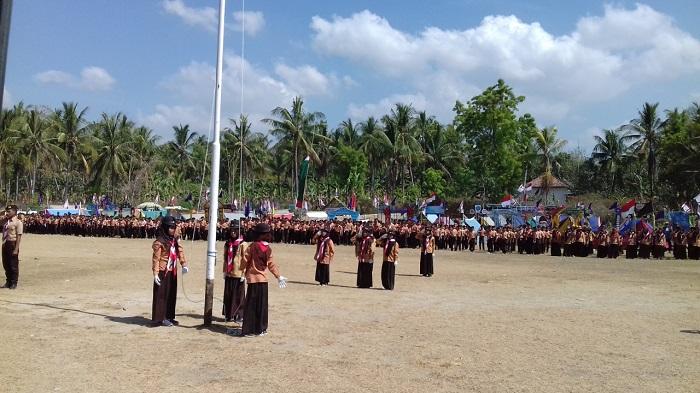 Suasana Pembukaan Kemah Santri Nusantara K3-MI Kecamatan Pragaan Kabupaten Sumenep . (FOTO: NUSANTARANEWS.CO/Mahdi)
