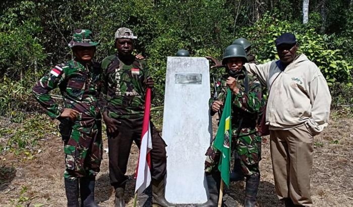 Pemantauan Patok Perbatasan Indonesia - Papua Nugini. (FOTO: NUSANTARANEWS.CO/Istimewa)