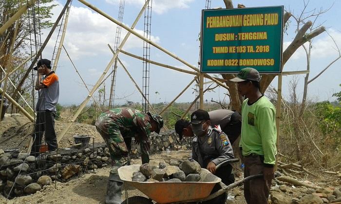 Pembangunan PAUD di Bondowoso. (FOTO: NUSANTARANEWS.CO/Prasetya)