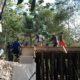 Proses pembangunan Desa Durin Timur, Kecamatan Konang, Bangkalan, Madura, Jawa Timur oleh Satgas TMMD ke-103.