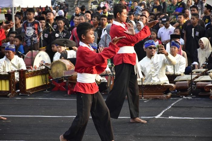 Pemerintah Kabupaten Madiun menggelar Kirab Budaya 1400 Pendekar dalam rangka Kabupaten Madiun Kampung Silat Indonesia tahun 2018. (FOTO: NUSANTARANEWS.CO/Pendim Madiun)