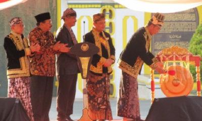 joko widodo, presiden indonesia, radja adipati arief natadiningrat, gubernur jatim, soekarwo, bupati sumenep, abuya busyro karim, fkma, festival keraton, masyarakat adat asia, nusantaranews, nusantara news, nusantara