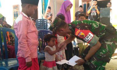Satgas TMMD Santuni Fakir Miskin dan Yatim Piatu Durin Timur. (FOTO: NUSANTARANEWS.CO/Agung Prasetyo Budi)