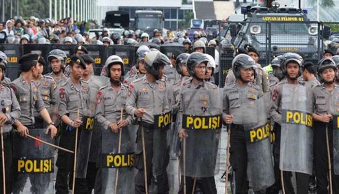 Jajaran Polda Metro Jaya Mengamankan Unjuk Rasa (Foto Merdeka.com)