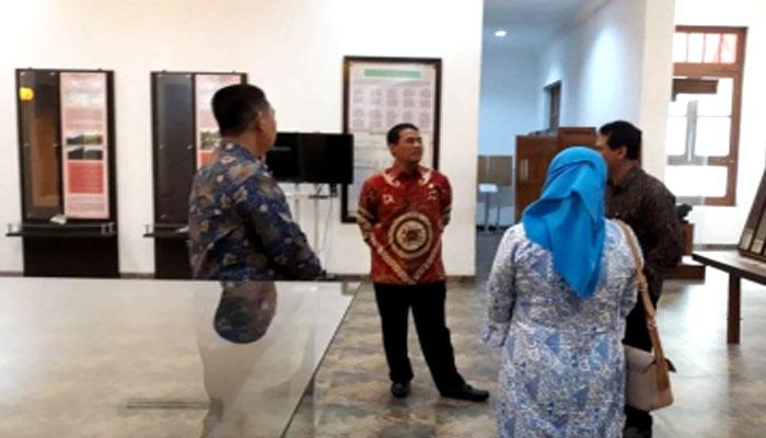 Menteri Pertanian Andi Amran Sulaiman meninjau lokasi Museum Pertanian di Bogor. (FOTO: Istimewa)