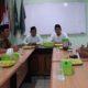 Sebagian Pengurus LTN NU Jateng sedang berbincang tentang rencana program di Ruang Rapat Kantor PW NU Jawa Tengah. (FOTO: Istimewa)