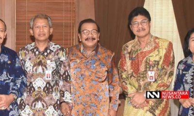 Soekarwo tengah (Foto Dok. Nusantaranews Setya)