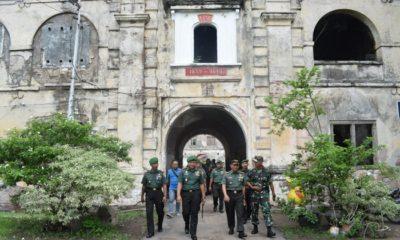 Danrem 081/DSJ Kolonel Inf Masduki membuktikan keindahan Benteng Van den Bosch yang terletak di Jl. Untung Suropati No.II, Pelem II, Pelem, Kec. Ngawi, Kabupaten Ngawi, Jawa Timur. (FOTO: pen81/Timbul)