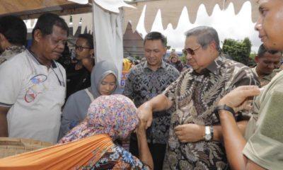 Dari Pacitan SBY ajak masyarakat Indonesia Bersatu. (FOTO: NUSANTARANEWS.CO/Muh Nurcholis)
