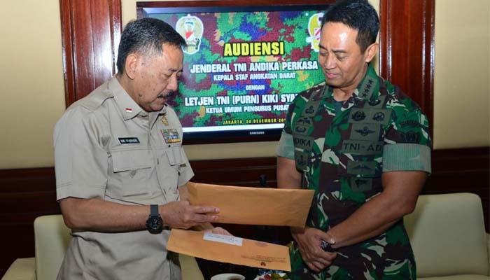 Ketua Umum PPAD Kiki Syahnakri bersama Kasad Andika Perkasa (Foto Despenad untuk NUSANTARANEWS.CO)