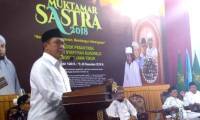 Menag Lukman Hakim Saifuddin di acara Muktamar Sastra 2018 di Pondok Pesantren Salfiyah Syafi'iyah Situbondo, Rabu (18/12/2018). (FOTO: Istimewa)