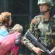 Militer RRT mengawasi masyarakat muslim Uighur di Xinjiang. (Foto: Alliance/Kyodo)