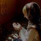 Perempuan berdoa, pasrah kepada Ilahi. (FOTO: Istimewa)