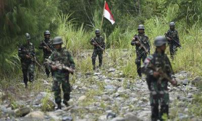 Prajurit TNI saat patroli di Papua. (Ilustrasi)