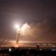Militer Suriah dilaporkan berhasil menembak jatuh sejumlah rudal Israel di dekat Ibu Kota Damaskus pada Selasa (25/12) kemarin. (REUTERS/Omar Sanadiki)