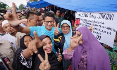 Sandiaga Uno bersama ema-emak di Pasar Kota Pinang usai insiden pengusiran melalui poster. (FOTO: Istimewa)