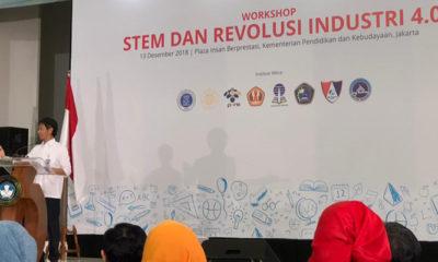 Kepala Badan Penelitian dan Pengembangan Kementerian Pendidikan dan Kebudayaan (Balitbang Kemendikbud), Totok Suprayitno membuka Workshop STEM dan Revolusi Industri 4. (FOTO: Kemendikbud)