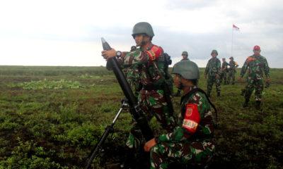 Yonif Raider 515 Latihan Menembak Senjata Lintas Lengkung. (FOTO: Dok. Puspen)