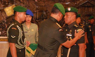 serah terima jabatan Danrem 082/CPYJ, yang dipimpin langsung oleh Pangdam V/Brawijaya, Mayjen TNI Arif Rahman di aula Makodam V/Brawijaya. (FOTO: Dok. Penrem082/CPYJ)