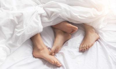 Mindful sex mampu tingkatkan kenikmatan dan kepuasan hubungan intim. (FOTO: Dok. Getty Images/iStockphoto)