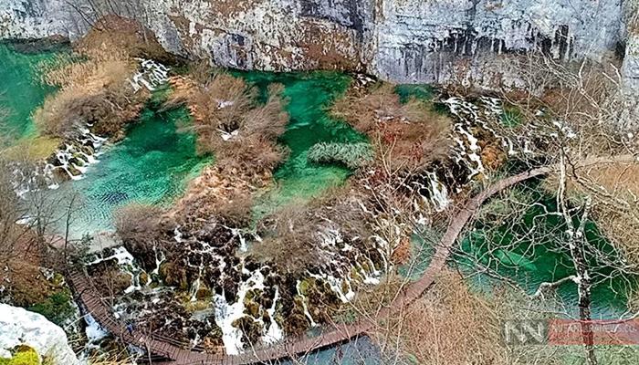 Pemandangan Plitvice Lakes National Park di Kroasia (Foto Dok. NUSANTARANEWS.CO).