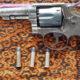Pistol Jenis Revolver Milik Warga Eben NTT Diserahkan ke Satgas Pamtas RI-RDTL (Foto Dispenad untuk NUSANTARANEWS.CO)