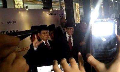 Prabowo-Sandi Tiba Satu Jam Sebelum Debat Dimulai. (FOTO: NUSANTARANEWS.CO/Adhon)