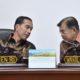 Presiden Joko Widodo dan Wapres Jusuf Kalla dalam rapat terbatas membahas RUU Migas. (FOTO: Bey Machmudin)