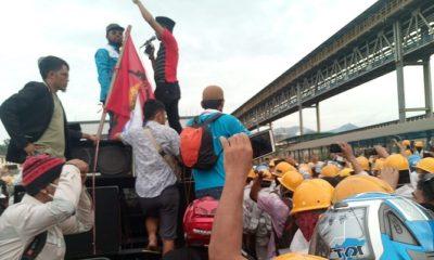 Ribuan Buruh PT IMIP Lakukan Aksi Mogok menuntut UMSK. (FOTO: NUSANTARANEWS.CO/Eddy Santri)