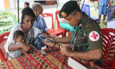 Satgas Pamtas Yonif PR 328/DGH menggelar pengobatan massal secara gratis di wilayah Distrik Muara Tami, Papua (Foto Istimewa)