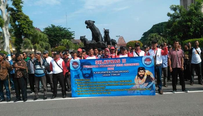 Tagih Janji Jokowi-JK, Ratusan Anggota Perangkat Desa Ponorogo Bertolak ke Jakarta, nusantaranewsco