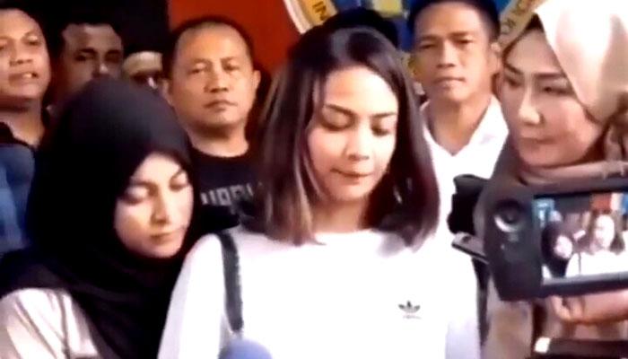 Vanessa Angel saat memberikan keterangan pers. (FOTO: Istimewa)