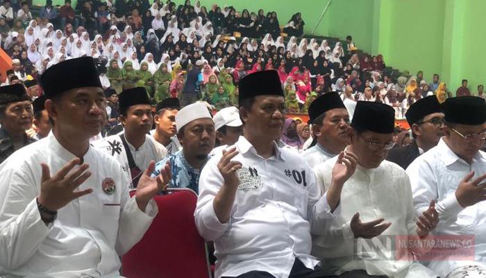 Anton Charliyan Bersama Ulama dan Tokoh Masyarakat Dukung 01 di GOR, Tasikmalaya (Foto Dok. NUSANTARANEWS.CO)